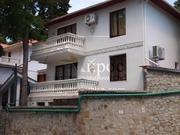 Агентство «Айрос» предлагает взять в аренду дом на ЮБК.