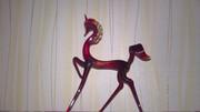 Скульптуры лошадок из художественного рубинового стекла р-р 10х15 см